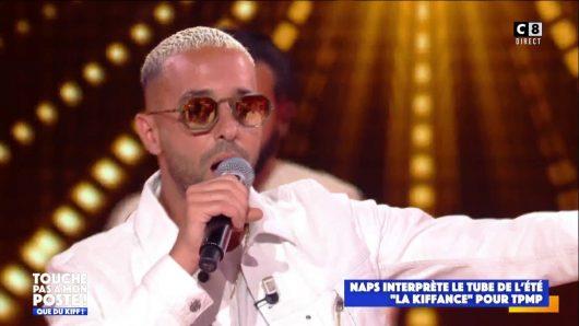 Naps interprète La Kiffance dans TPMP et reçoit son single de diamant